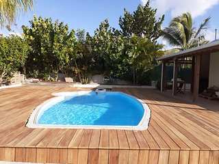 Nice bungalow with shared pool