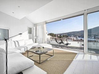 LUXURIUS DUPLEX IN CADAQUÉS WITH SEA VIEW