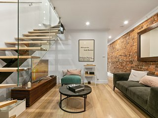 Modern 3 Bedroom Terrace in the Heart of Sydney