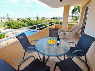 Beautiful apartment with pool view, very close to Nissi Beach
