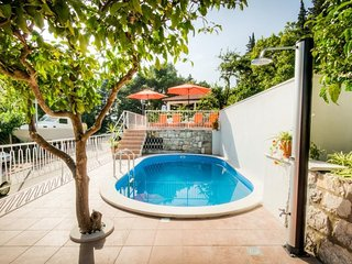 Guest House Villa Nina- Studio with Terrace and Partial Sea View