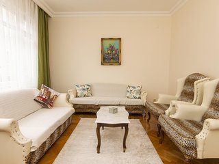 3+1 Apartment in Urban and Historic District, Besiktas