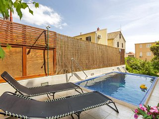 Nice home in Komiza w/ Outdoor swimming pool, WiFi and 4 Bedrooms (CDK145)