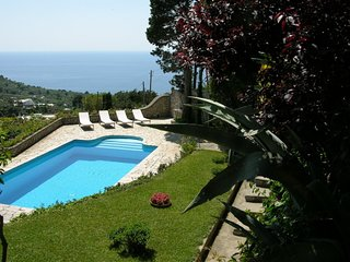 Anacapri Villa Sleeps 16 with Pool Air Con and WiFi - 5248137