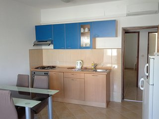 Smiric Apartment Sleeps 4 with Air Con - 5472240