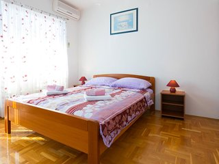 Smiric Apartment Sleeps 2 with Air Con - 5465082