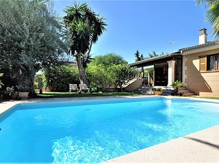 Villa PEP POMAR- Chalet just 8 kilometers from the center of PALMA DE MALLORCA -