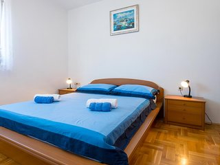 Smiric Apartment Sleeps 4 with Air Con - 5465093