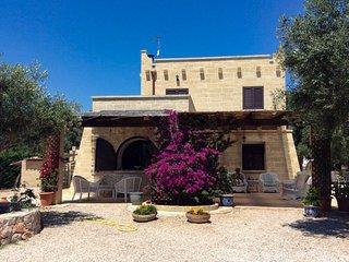 Villa con piscina zona Pescoluse m660
