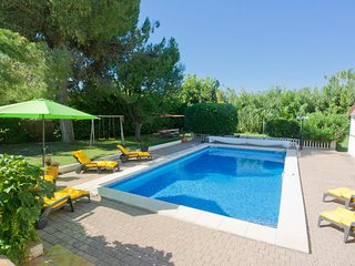 Les Ecureuils | 6 Bedroom Villa with Heated Pool