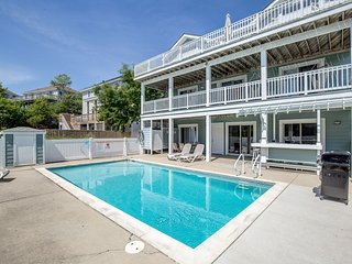 Two Buoys and A Gull | Sound Side | Private Pool, Hot Tub | Corolla