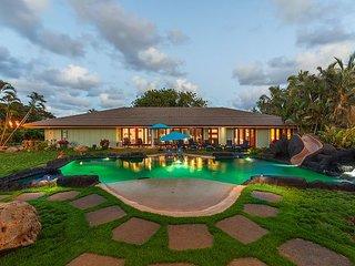 7Bdm home in Waialua~Pool~Waterfall~Gated & Private~near beach
