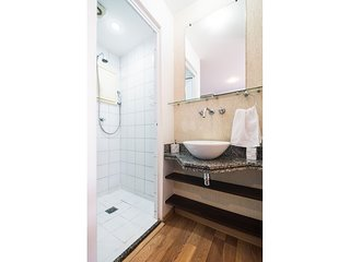 BC******* · Apt close to Paulista Ave. AC & balcony on 13th Fl