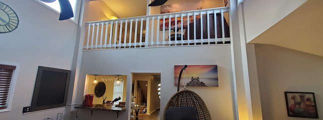 Country Loft Living- Pittsburgh Quick Commute, holiday rental in Armstrong County