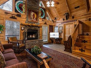 Ozark  Haven Lodge w/HotTub