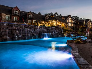 WaterMill Cove Resort Family LUXURY Lakefront Lodge~2mi to Silver Dollar City~Do