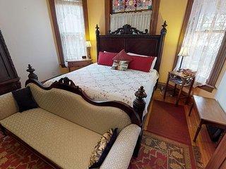 Primrose Garden Room Bed & Breakfast Hocking Hills Ohio between Logan and Athens