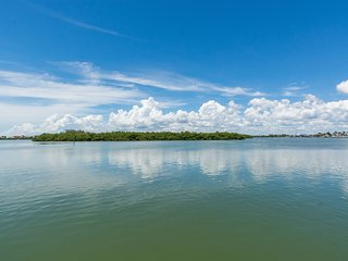 #2-B *Beach*Lemon Bay*Pool*Boat Dock*Fully Furnished*