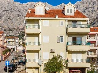 One bedroom apartment Makarska (A-18170-a)