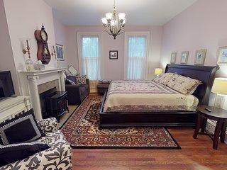 Hyde House Lilac Suite near Hocking Hills, Ohio University, Athens & Logan