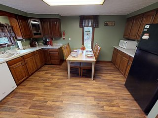 Charming Pines Lodge at Sand Run Lake in WNF, mins from Hocking Hills Ohio