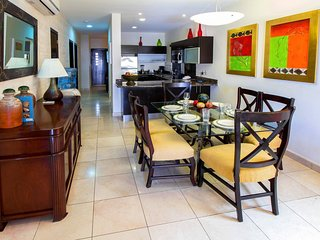 Quintas del Carmen Apartment Sleeps 6 with Pool Air Con and WiFi - 5803217