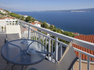 Zavode Apartment Sleeps 4 with Pool and Air Con - 5470844