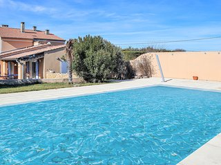 Awesome home in Valréas w/ Outdoor swimming pool, WiFi and 3 Bedrooms (FPV692)