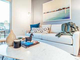 Stay local in our Stunning San Mateo Apartment