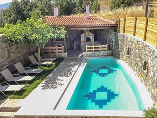 Traditional 2 bedroom villa with BBQ, pool,natural landscape in Agia!
