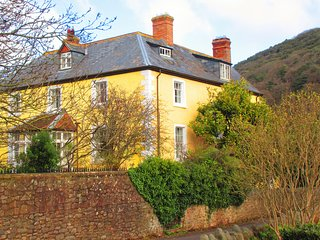 EXMOOR. 16thC Flat in Country/Village House 5*