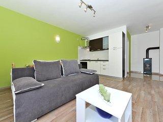 Brodarica Apartment Sleeps 4 with Air Con - 5832586