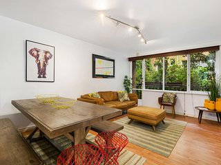 Retro Styled 3 Bedroom Apartment with Tree Views