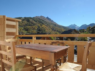 Beautiful apt with mountain view