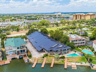 Waterfront 3BR, 2BA Townhouse Close to Resort 203
