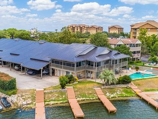 Waterfront 3BR, 2BA Townhouse Close to Resort 207