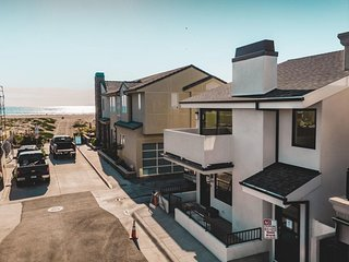 O'Neill Buyout by AvantStay | Sleeps 18! Modern Beach Getaway | Newly Renovated!