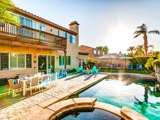 Palm Grove by AvantStay | 15mins From Coachella - Desert Villa - Sleeps 14