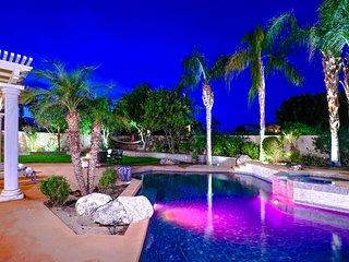 Azalea by AvantStay | La Quinta Golfer's Paradise w/ Mtn Views, Pool & Firepit