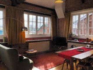 Holters Mill - Loft apartment with parking
