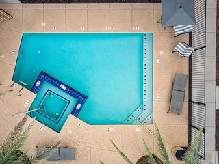 Newport by AvantStay - Condo w/ Pool and Hot Tub - Near Tempe and Scottsdale