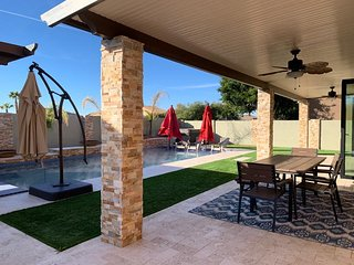 Oasis Resort in Goodyear, AZ (Sleeps 14; 4bed/3.5)