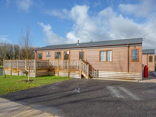 Coniston 11 (Platinum 3 bed, pet with Hot Tub), South Lakeland Leisure Village