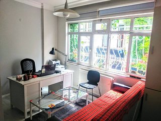 Home-Office at Taksim for rent
