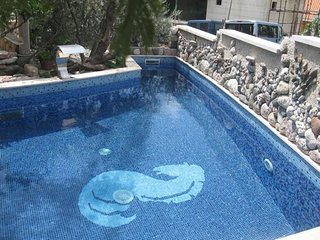 Sveti Stefan Holiday Home Sleeps 3 with Pool Air Con and WiFi - 5797959