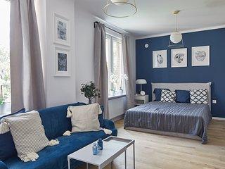 Studio Apartment CHMIELNA 4