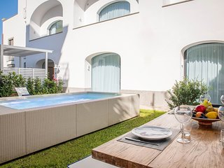 Sant'Agnello Apartment Sleeps 6 with Pool Air Con and WiFi - 5831498