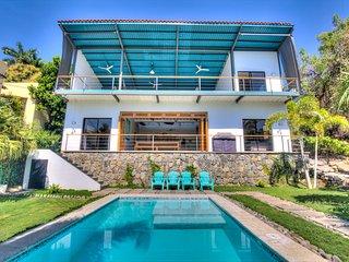 OneWaveSurfHouse at Sunzal & El Tunco beaches - BRAND NEW PRIVATE LUXARY VILLA!