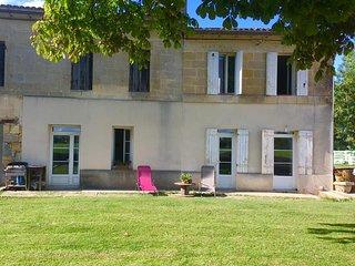 Maison chaleureuse en bord de Dordogne