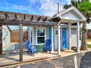 Cutest cottage in all of Port A.Centrally located. Walk to the beach!